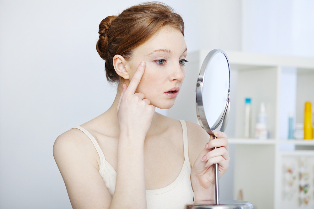 How to take care of the skin around your eyes?